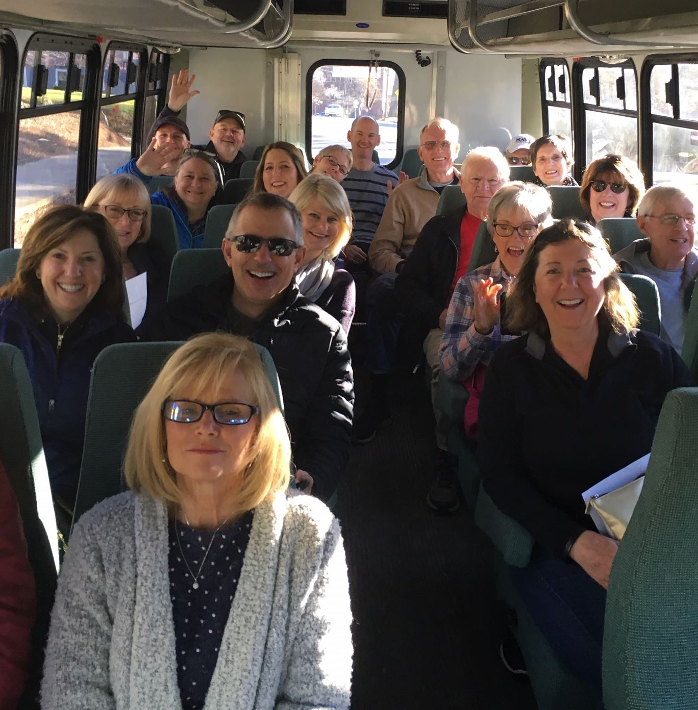 2019 03 23 Bus tour group shot